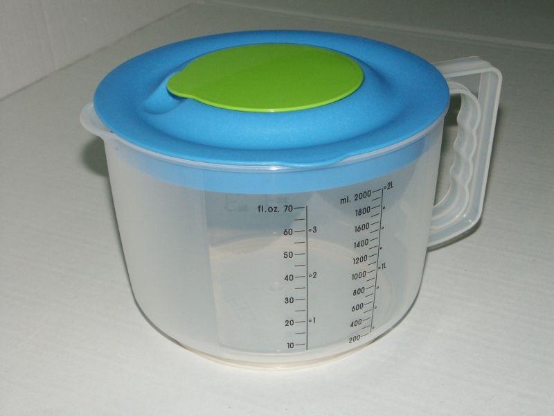 mísa 2,0l šlehací  s výlevkou, odměr.+víko, plast